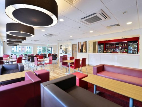 Why put us on the business floor!!! - Review of Travelodge Leicester Central Hotel